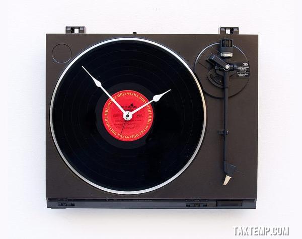 9-creative-wall-clocks-designs